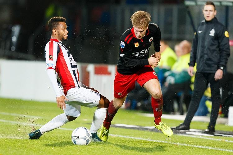 (L-R) Funso Ojo of Willem II, Tom van Weert of Excelsior