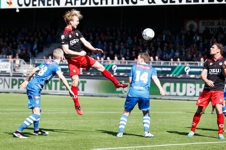 (L-R) Wouter Marinus of PEC Zwolle, Daan Bovenberg of Excelsior, Wout Brama of PEC Zwolle