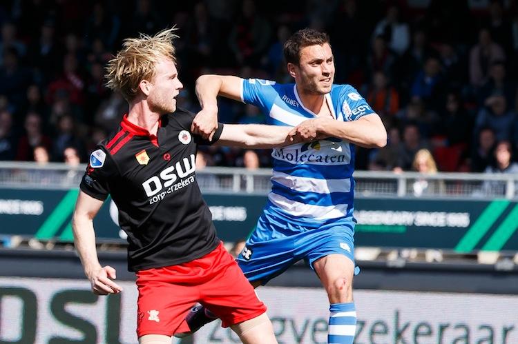(L-R) Daan Bovenberg of Excelsior, Bram van Polen of PEC Zwolle